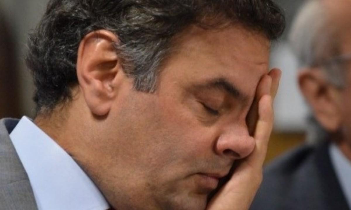 PSDB de São Paulo aprova moção para expulsar Aécio Neves